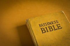 Bibbia di affari Fotografie Stock Libere da Diritti