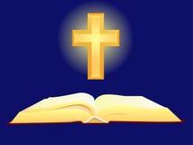 Bibbia e traversa Fotografie Stock Libere da Diritti