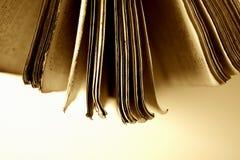 bibel öppen ii royaltyfria bilder