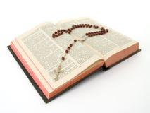 bibel över radband royaltyfri bild