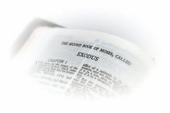 Bibel geöffnet zur Exodusvignette Stockfotos
