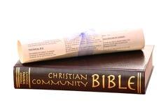 Bibel und Rolle Stockfoto