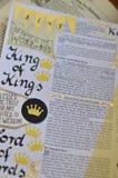 Bibelkonst som för journal över om konung av konungar Arkivfoton