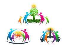 Bibeln folket, träd, rotar, kristen, logoen, familjen, boken, kyrkan, vektorn, symbolet, design Royaltyfri Fotografi