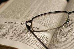 Bibelstudie arkivbild