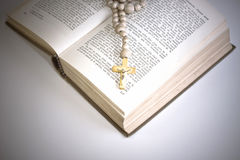 Bible with cross Royalty Free Stock Images