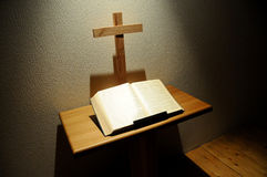 Bible and Cross Royalty Free Stock Photography