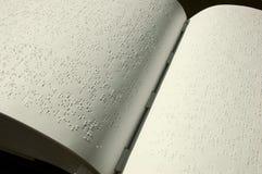 Bible de Braille Photos stock