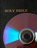 Bible sur CD/DVD photo libre de droits