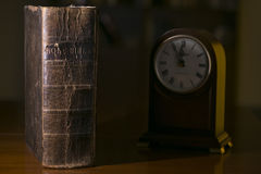 Biblia con las edades Imagen de archivo