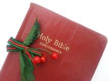 Biblia del rojo de la Navidad Foto de archivo