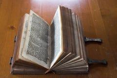 Biblia muy antigua Imágenes de archivo libres de regalías