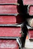 Biblias viejas empiladas Fotos de archivo