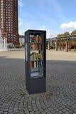 Biblioteca da rua em Francoforte fotografia de stock royalty free