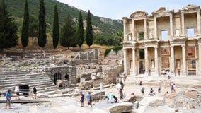 Biblioteca de Celsus de la ciudad antigua de Ephesus metrajes