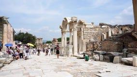Biblioteca de Celsus de la ciudad antigua de Ephesus almacen de video