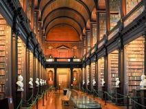 Biblioteca de faculdade da trindade em Dublin Fotos de Stock