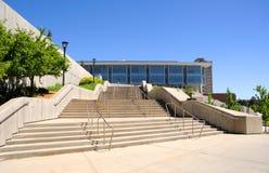 Biblioteca del campus Foto de archivo libre de regalías