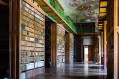 Biblioteca del monasterio Imagen de archivo libre de regalías