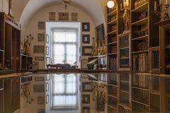 Biblioteca del vecchio libro del monastero Immagini Stock Libere da Diritti
