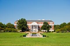 Biblioteca do terreno da faculdade Fotos de Stock Royalty Free