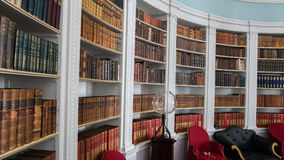 Biblioteca em uma casa senhorial imagem de stock royalty free