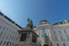Biblioteca nacional austríaca com o monumento ao imperador Joseph II Áustria no setembro de 2017 Foto de Stock Royalty Free