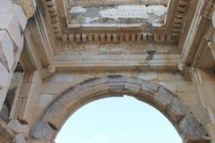 Biblioteca in rovine dell'oggetto d'antiquariato di Ephesus della città antica in Turchia Fotografia Stock