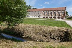 Biblioteca y prado en la abadía de Citeaux Imagenes de archivo