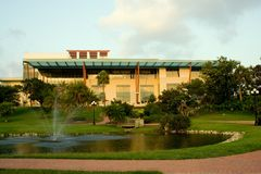 Bibliothèque de Clearwater et stationnement de cocher Image stock