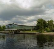 Bibliothèque de Halmstad par la rivière nissan Photographie stock