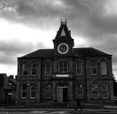 Bibliothèque hantée en noir et blanc Image libre de droits