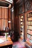 Bibliothèque magnifique avec les bibliothèques en bois, Victoria Mansion, Portland, Maine, 2016 image stock