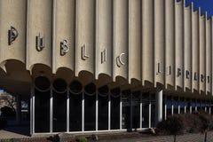 Bibliothèque moderne de la moitié du siècle en Enid Oklahoma photographie stock libre de droits