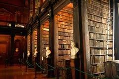 Bibliothèque universitaire de trinité, Dublin, Irlande Images libres de droits