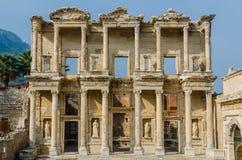 Bibliothek von Celsus in alter Stadt Ephesus stockfotos