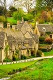 Bibury stugor, England Royaltyfri Bild