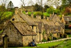 Bibury stugor, England Arkivfoton