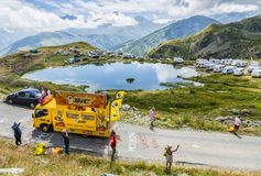 BIC karawana w Alps - tour de france 2015 Fotografia Royalty Free