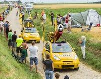 Bic-Wohnwagen auf einem Kopfstein-Straßen-Tour de France 2015 Lizenzfreie Stockfotos