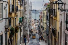 Bica famoso funicular en Lissabon Imagen de archivo
