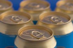 bicarbonate de soude de pyramide de bidons de bière Photographie stock