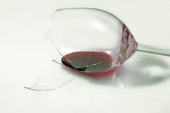 Bicchiere di vino rotto Fotografia Stock