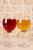 Bicchiere di vino sulla pietra Fotografia Stock Libera da Diritti