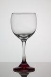 Bicchiere di vino vuoto su fondo bianco Fotografie Stock