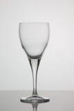 Bicchiere di vino vuoto su fondo bianco Fotografia Stock Libera da Diritti