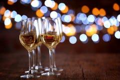 Bicchieri di vino in una fila Fotografie Stock Libere da Diritti