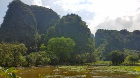 Bich Dong Pagoda Surrounding stock foto's