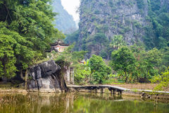 Bich Dong Pagoda Vietnam imagens de stock