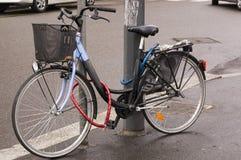Bici bloqueada Foto de archivo libre de regalías